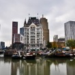 View of the canal in Rotterdam on a cloudy day - 图库照片