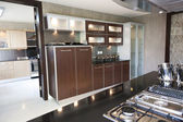 Modern kitchen in an apartment — Stock fotografie