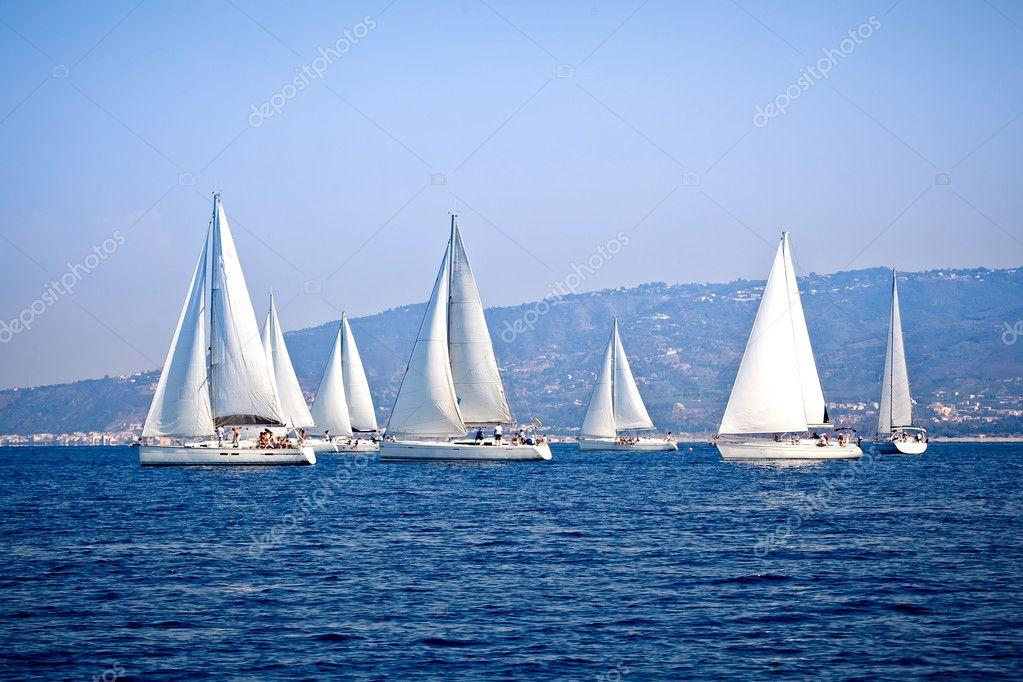 яхты фото парусные