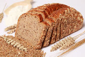 Whole wheat bread — 图库照片