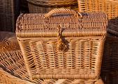 Handgemaakte houten rieten mand. — Stockfoto