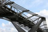 Millennium bridge — Stockfoto