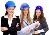 Zespół architekta atrakcyjna kobieta zróżnicowane na budowie — Zdjęcie stockowe