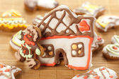 House and man made with gingerbread — Stock Photo