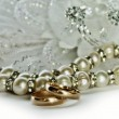 Wedding rings with pearls — Stock Photo