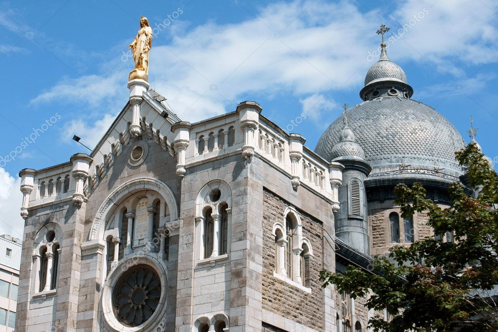 Our Lady of Lourdes Chapel (Chapelle Notre-Dame-de-Lourdes) in Montreal — Stock Photo #6876895