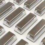 zilveren staven op witte achtergrond — Stockfoto