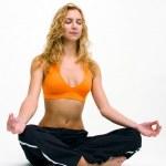 ヨガの練習を作る若い女性 — ストック写真