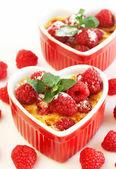 French creme brulee dessert — Stock Photo