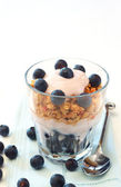 Healthy breakfast with muesli, yogurt and berries — Stock Photo