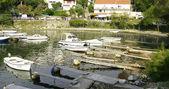 Beach and piers in Cavtat, Croatia. — Stock Photo