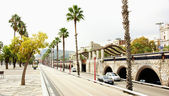 Park and road in Barcelona — Stock Photo