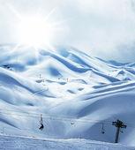 Estación de esquí de montaña invernal — Foto de Stock