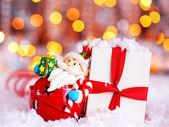与可爱的圣诞老人装饰节日背景 — 图库照片
