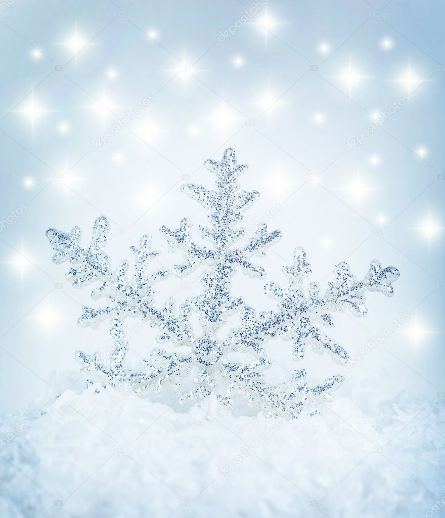 Beautiful blue snowflake winter holiday background — Stock Photo #7790213