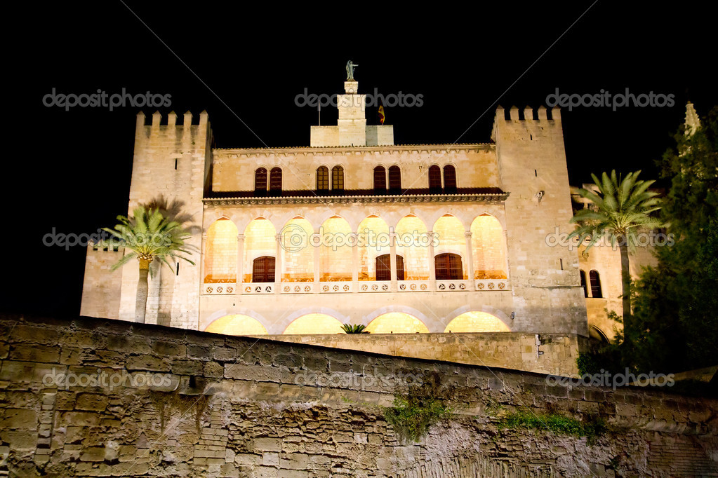 Almudaina Palacio Real o Alcazar palace in Palma de Mallorca from Majorca Balearic island — Stock Photo #6821548