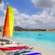 Beach of Puerto de Alcudia in Mallorca  with hobie cat — Stock Photo