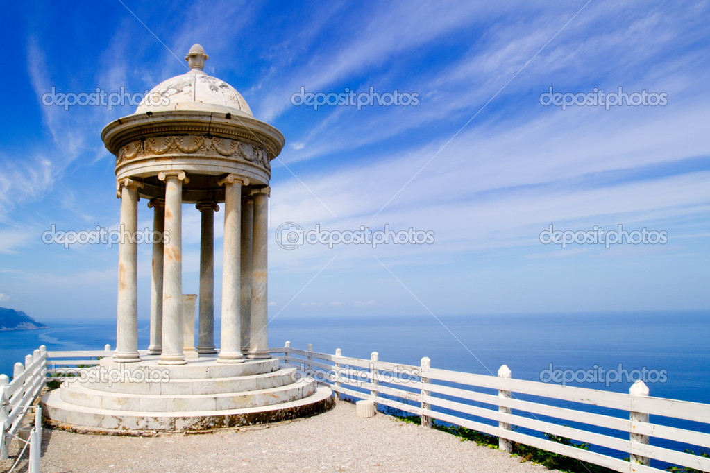 Es Galliner mirador in Son Marroig over Mediterranean Majorca sea — Stock Photo #6836055