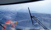 ボート パーフェクト ストーム水のしぶき — ストック写真