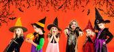 хэллоуин группа детей девочек костюмы — Стоковое фото