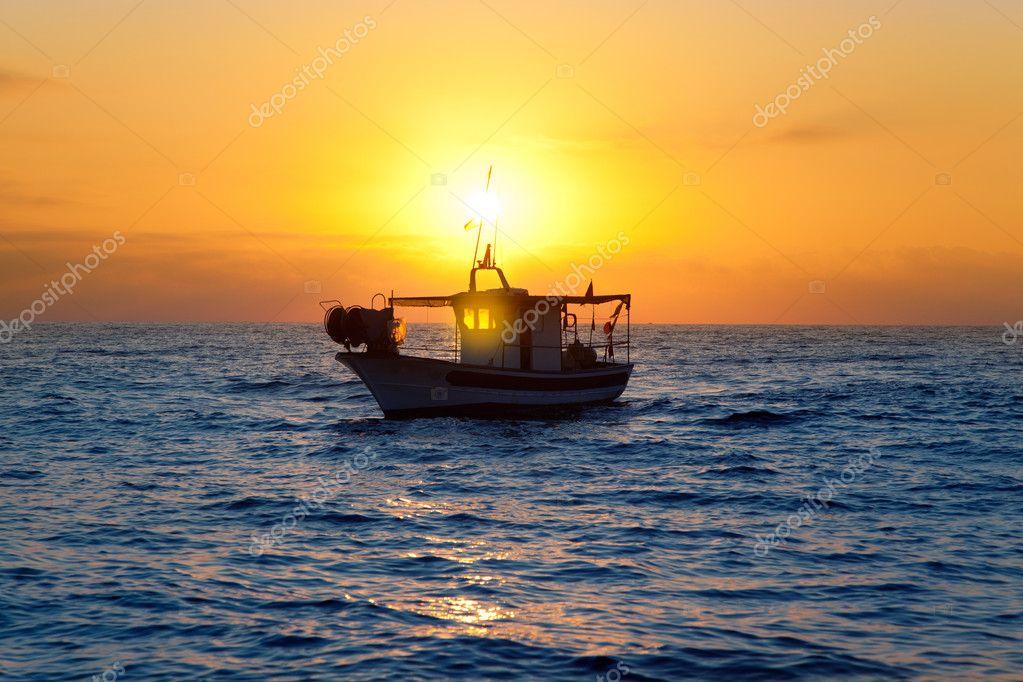 рыбацкие лодки средиземноморья
