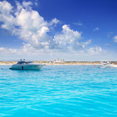 Anchored motorboats in Formentera Illetes — Stock Photo