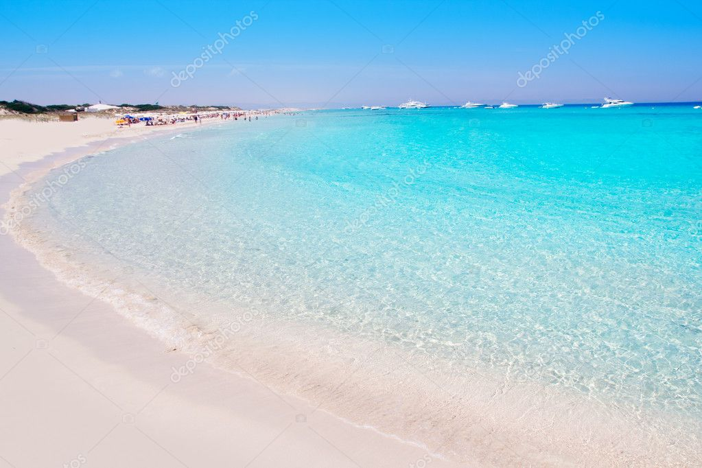 Illetes Formentera East tanga beach with tropical turquoise Mediterranean sea — Stock Photo #7323570