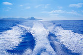 Es Vedra and Vedranell islands boat wake — Foto Stock