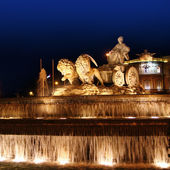 Cibeles night statue in Madrid Paseo Castellana — Stock Photo