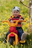 Niño con bici — Foto de Stock