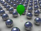 在金属球 row.individuality 概念绿色气球 — 图库照片