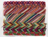 Whicky pruhované pletené náramky — Stock fotografie