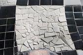Ceramic decoration - black and white -Hundertwasser Haus - Vienn — Fotografia Stock