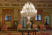 Chandelier in the Conference Room - Dolmabahche Palace — Stock Photo