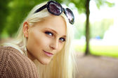 Blonde Lady With Sunglasses — Stock Photo
