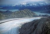 Glacier heading to the ocean — Stok fotoğraf