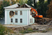 Demolition of an old house — Stock Photo