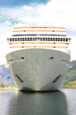 Cruise ship in the port of Flaam, Aurlandsfjord Sognefjord — Stock Photo