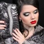 Fashion Beautiful Woman with Make up, red lips — Stock Photo