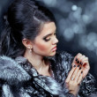 Fashion woman in fur coat — Stock Photo #7817216