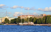 St. Petersburg, Admiralty Embankment — Stock Photo