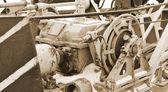 Antiguo mecanismo. sepia. — Foto de Stock