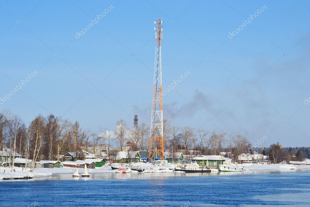 View of Voznesenje town and Svir river in sunny winter day, Russia — Stock Photo #7188865