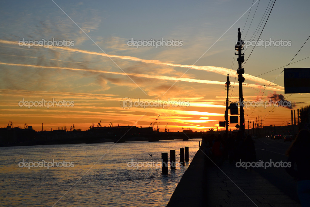 University Embankment after sunset, St. Petersburg, Russia . — Stock Photo #7627530