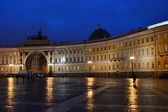 The Palace Square in St.Petersburg at night — Stock Photo