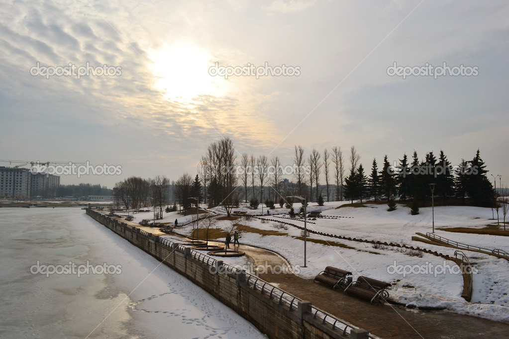 Park in Minsk, early spring, Belarus — Stock Photo #7834556