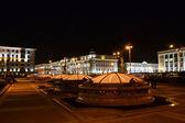 Plaza de la independencia. paisaje de noche de minsk — Foto de Stock