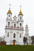 Building orthodox cathedral in central part of Vitebsk — Stock Photo
