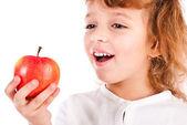 女孩吃苹果 — 图库照片