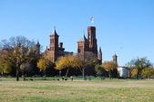 Smithsonian Castle in Washington DC, USA — Stock Photo